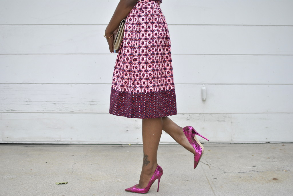 printed skirt and pumps
