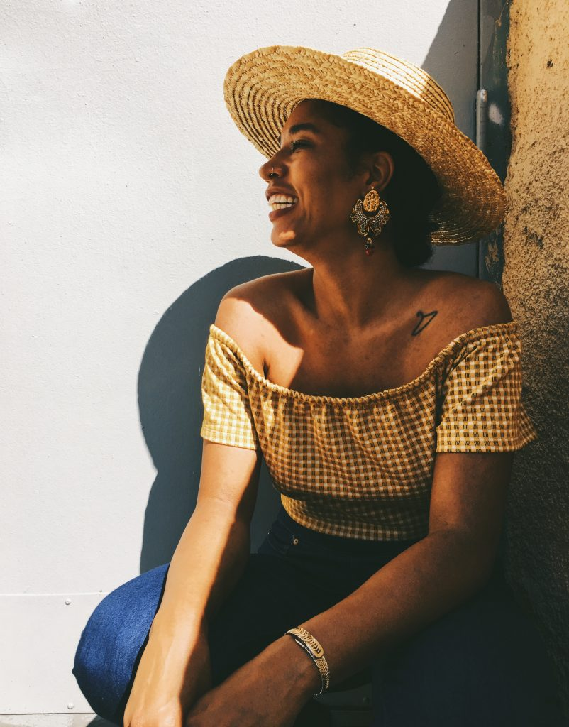 straw hat with natural hair. vsco cam blog pictures
