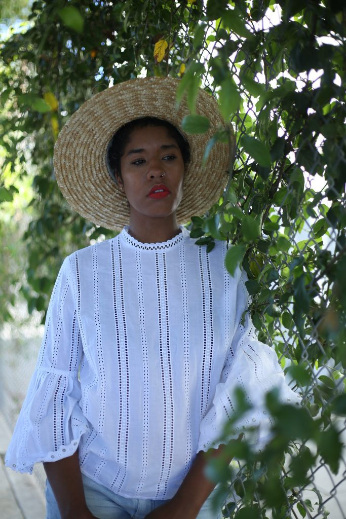 effortless summer style. straw boater hat outfit. la fashion blogger
