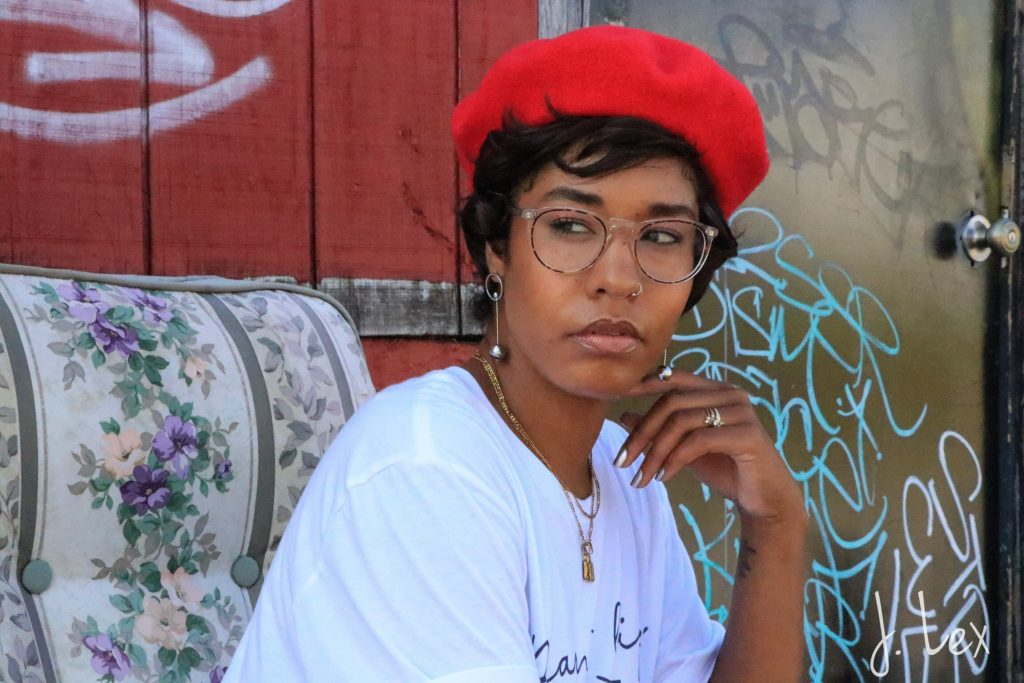 red beret for fall fashion Los angeles black girl style blogger warby parker haskellred beret for fall fashion Los angeles black girl style blogger warby parker haskell