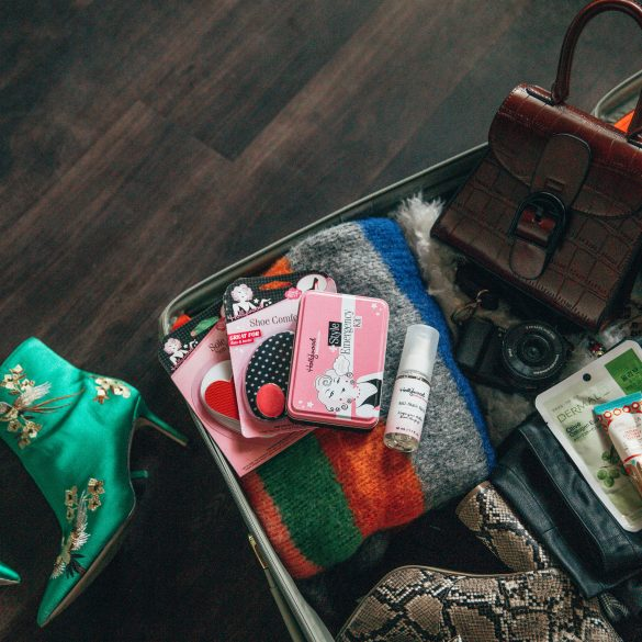 What to pack and wear to New York fashion week nyfw Hollywood fashion secrets review