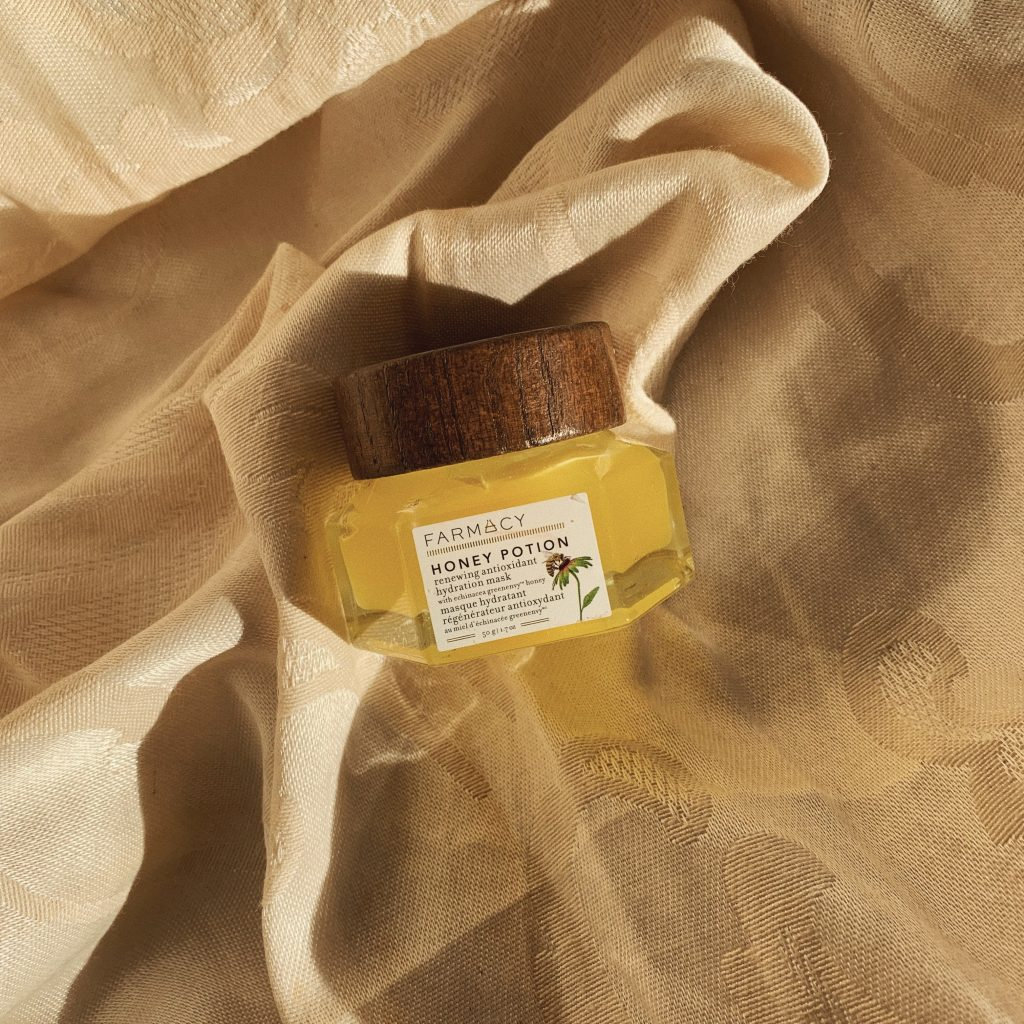 Farmacy honey potion renewing antioxidant hydration mask. Cruelty free. Best face mask skincare for winter skin regimen.